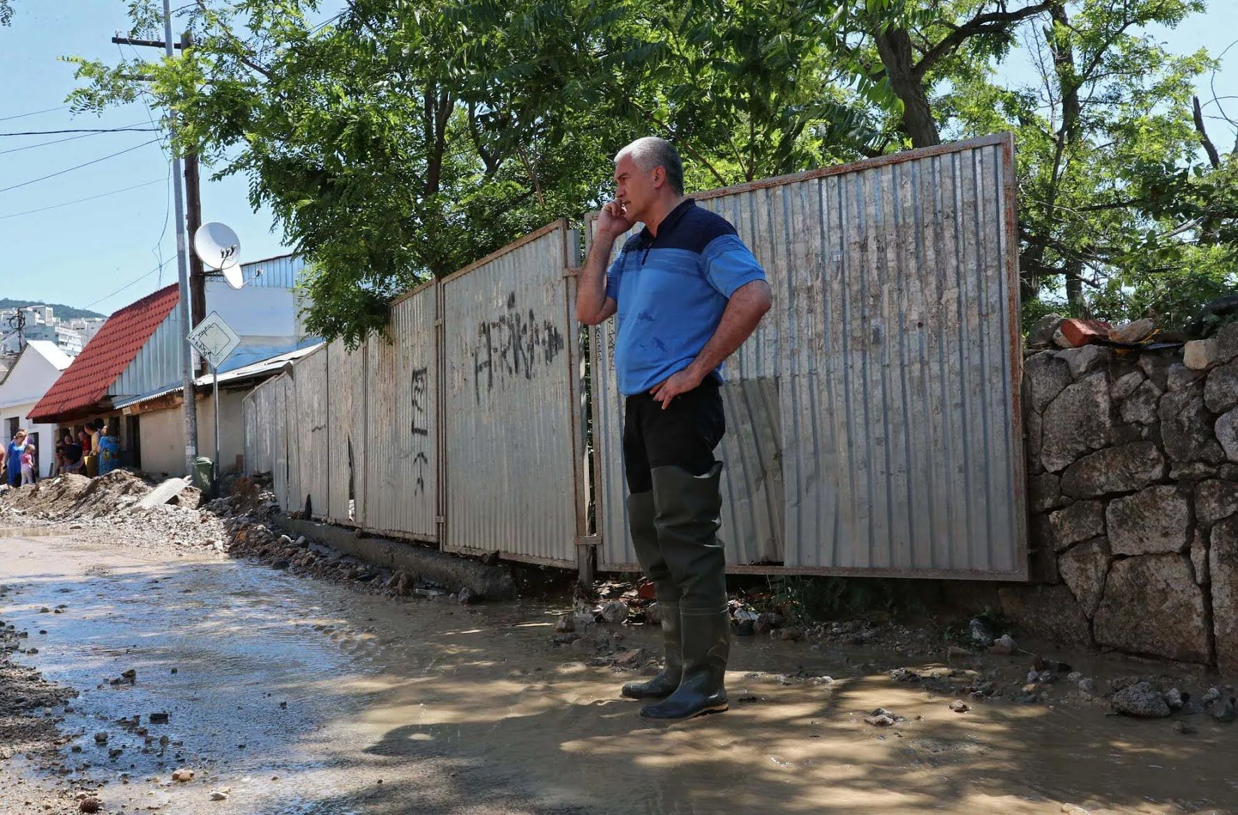 """Аксенов назвал """"катастрофическим"""" ущерб Ялты от наводнения"""