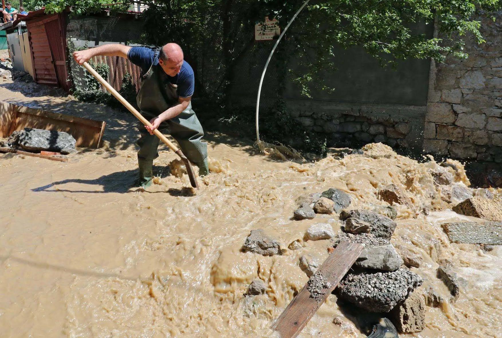 На 20 июня в Крыму объявлено штормовое предупреждение