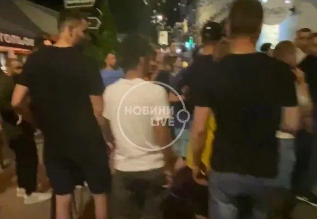 Массовая драка на Подоле в Киеве.