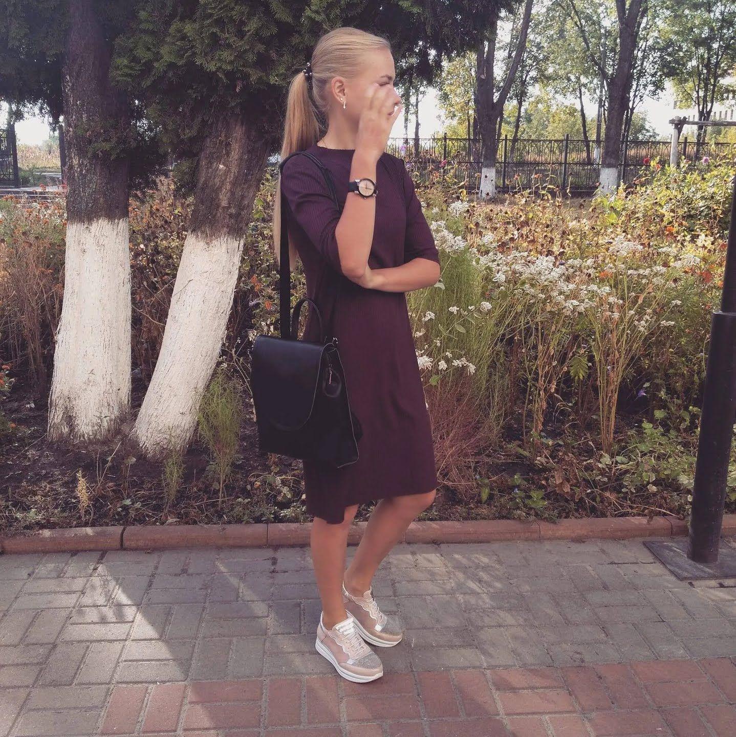 Катерина Долган в плаття