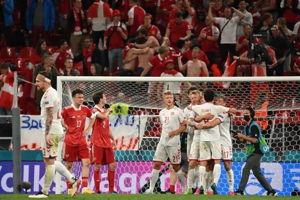 Дания вышла в плей-офф благодаря разгромной победе над Россией.