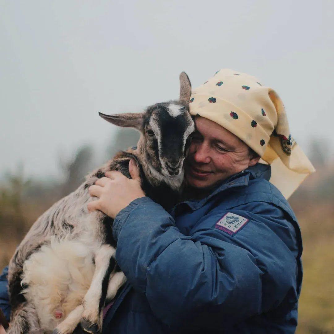 Любов Кобилянська зі своєю козою