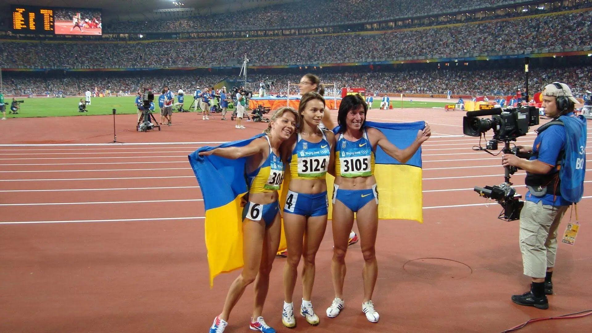 """Ліщинська (праворуч) у 2008 році взяла """"срібло"""" Олімпійських ігор."""