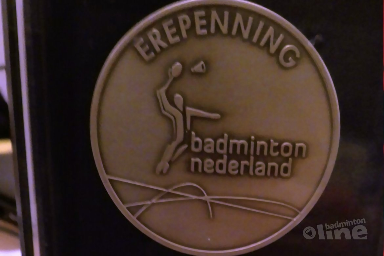 Badminton Nederland erepenning voor AMOR-toernooi