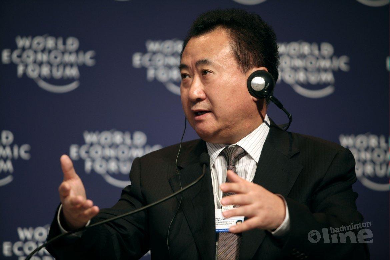 Rijkste man van China steekt miljoenen in badminton