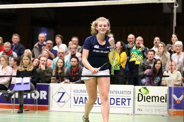 DKC in halve finales door ruime Nederlandse Badminton Eredivisie overwinning op VELO