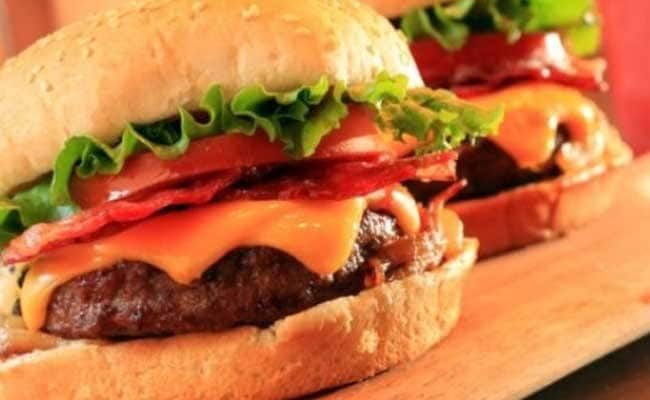 Lahore Eatery Staff Arrested After Refusing Free Burgers To Cops