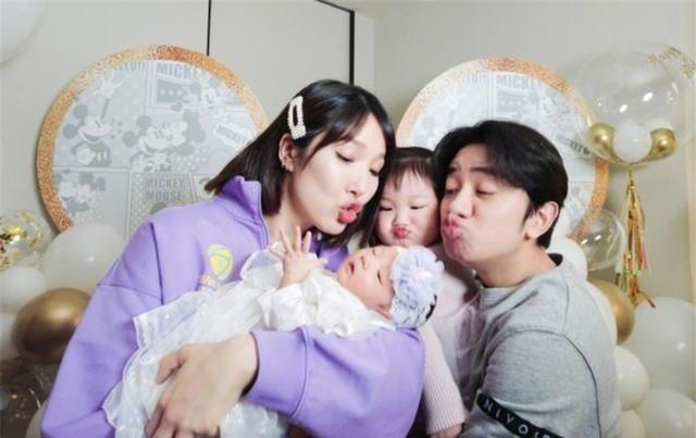 王祖蓝二胎得女,鼻子和眼睛像爸爸 明星 最新香港娱乐新闻  第2张