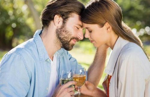 从没有注定的天作之合,如何增进夫妻感情呢?掌握以下相处之道 恋爱 婚姻 情感 感情 生活 情感热点  第6张