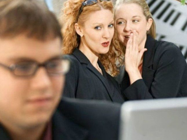 初入公司如何避免与那些女同事交谈