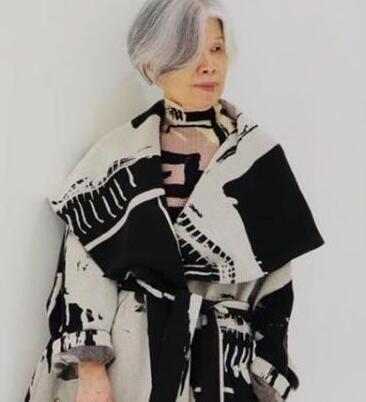 周杰伦妈妈好会穿,太炫酷了 明星 最新香港娱乐新闻  第2张