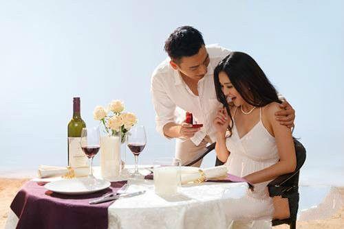 门当户对是婚姻重要的考量,三个方法测出对方家境 情感 生活 婚姻 情感热点  第3张
