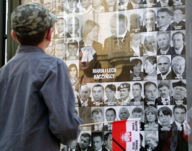 10 квітня 2010 року під Смоленськом розбився літак , на якому летів президент Польщі Лех Качинський  \ фото УНІАН