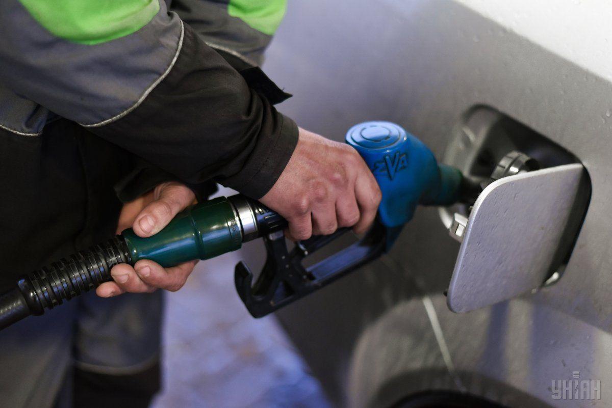 На ОККО бензин марки А-95 подорожчав на 50 копійок за літр / фото УНІАН Володимир Гонтар