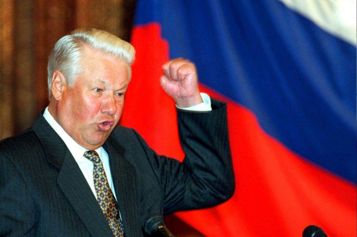 Борис Єльцин скаже лише чотири слова: «Я втомився, я йду» / фото REUTERS