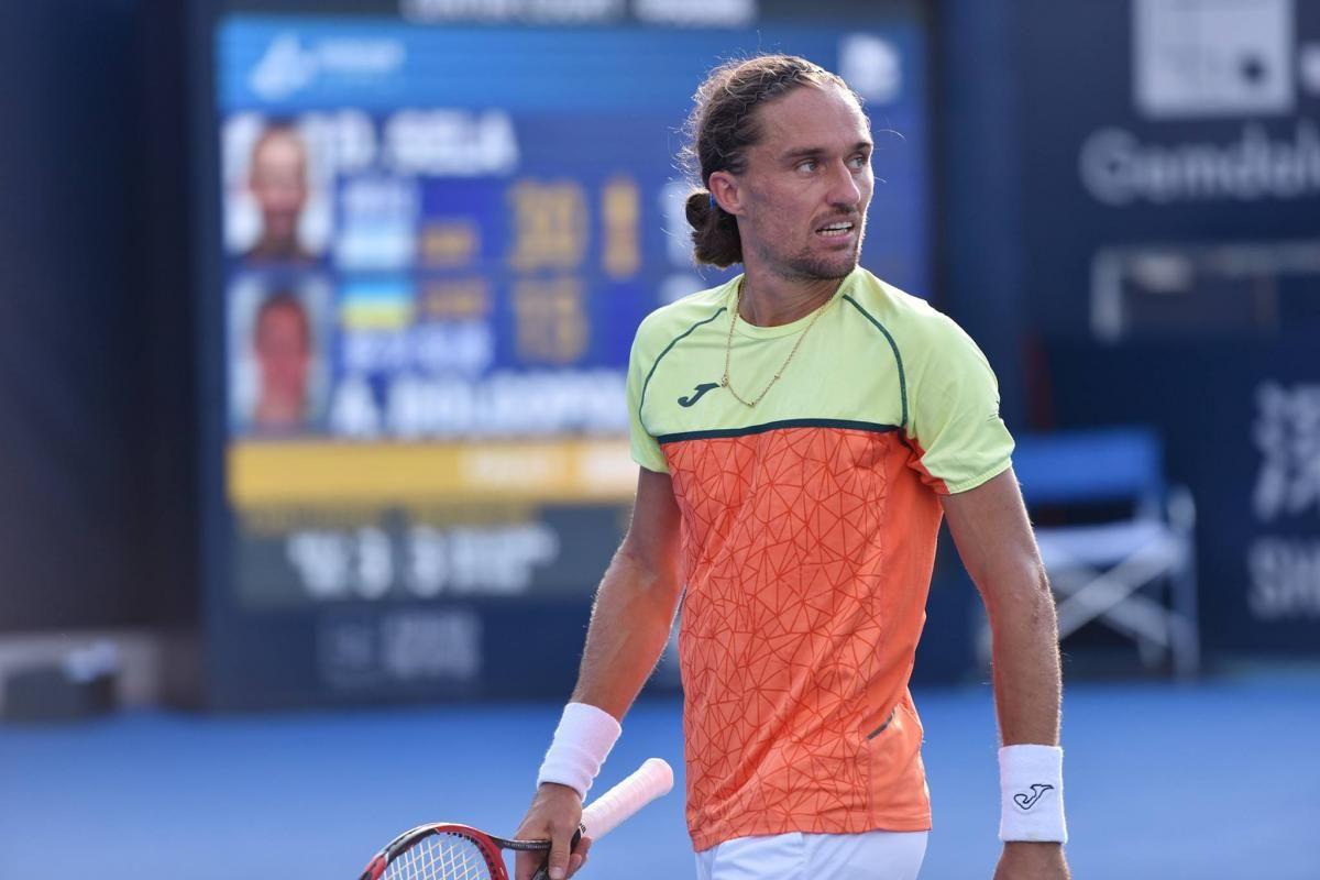 Олександр Долгополов так і не зміг повернутися на корт / фото Shenzhen Open