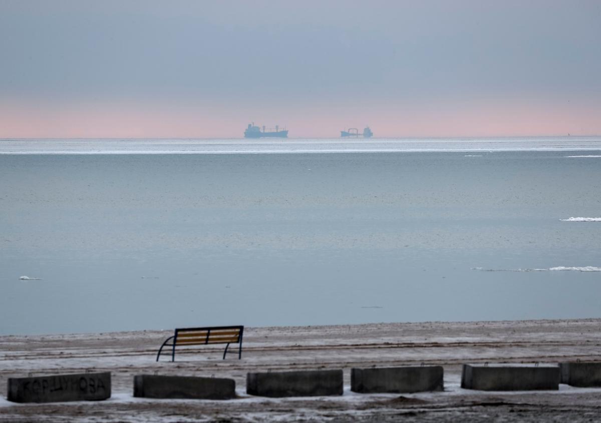 В Азовському морі стався вибух на російському танкері \ фото REUTERS