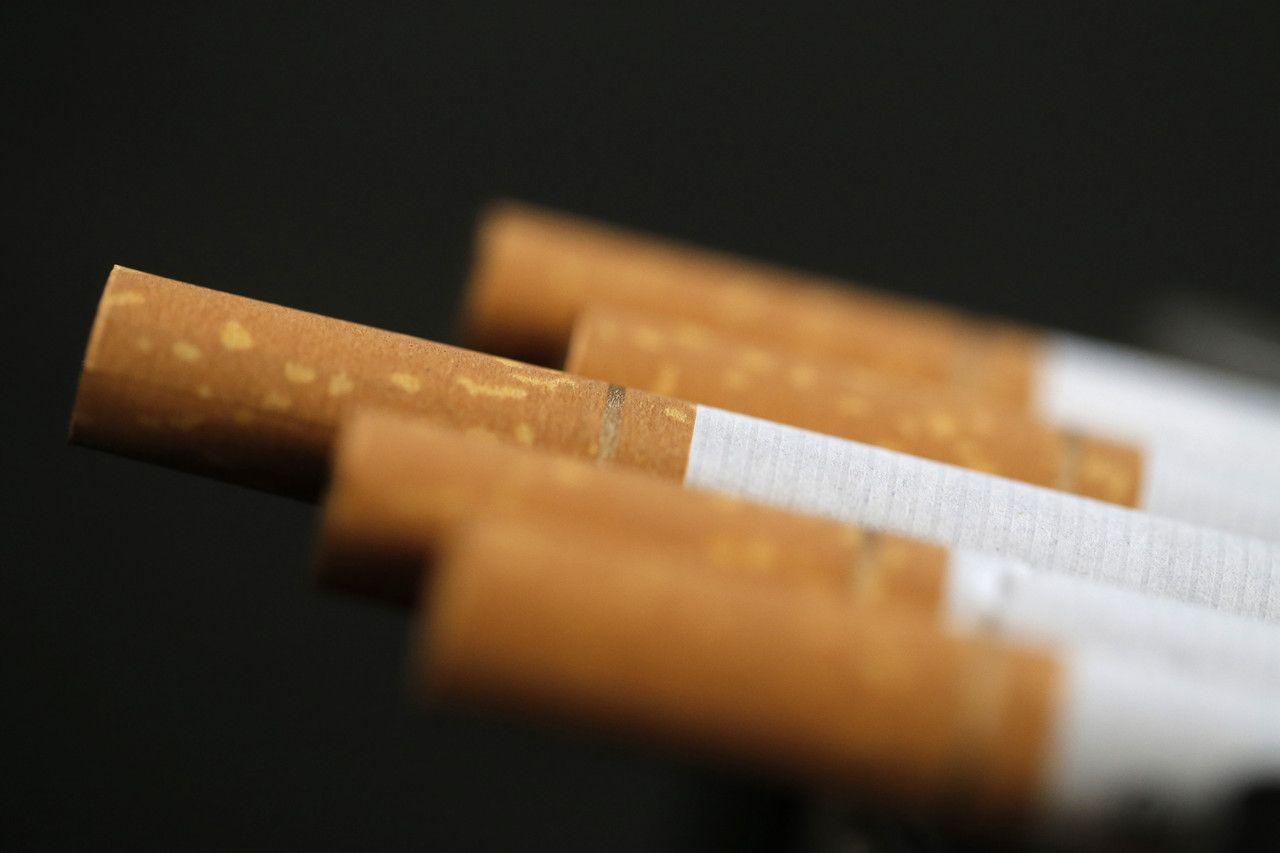 В Закарпатской области фирма уничтожит 735 тысяч пачек сигарет за 1 копейку / REUTERS