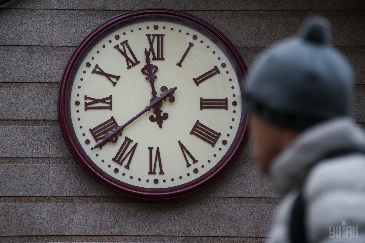 Перевод часов - Рада сделала шаг к отмене сезонного перехода времени / УНИАН
