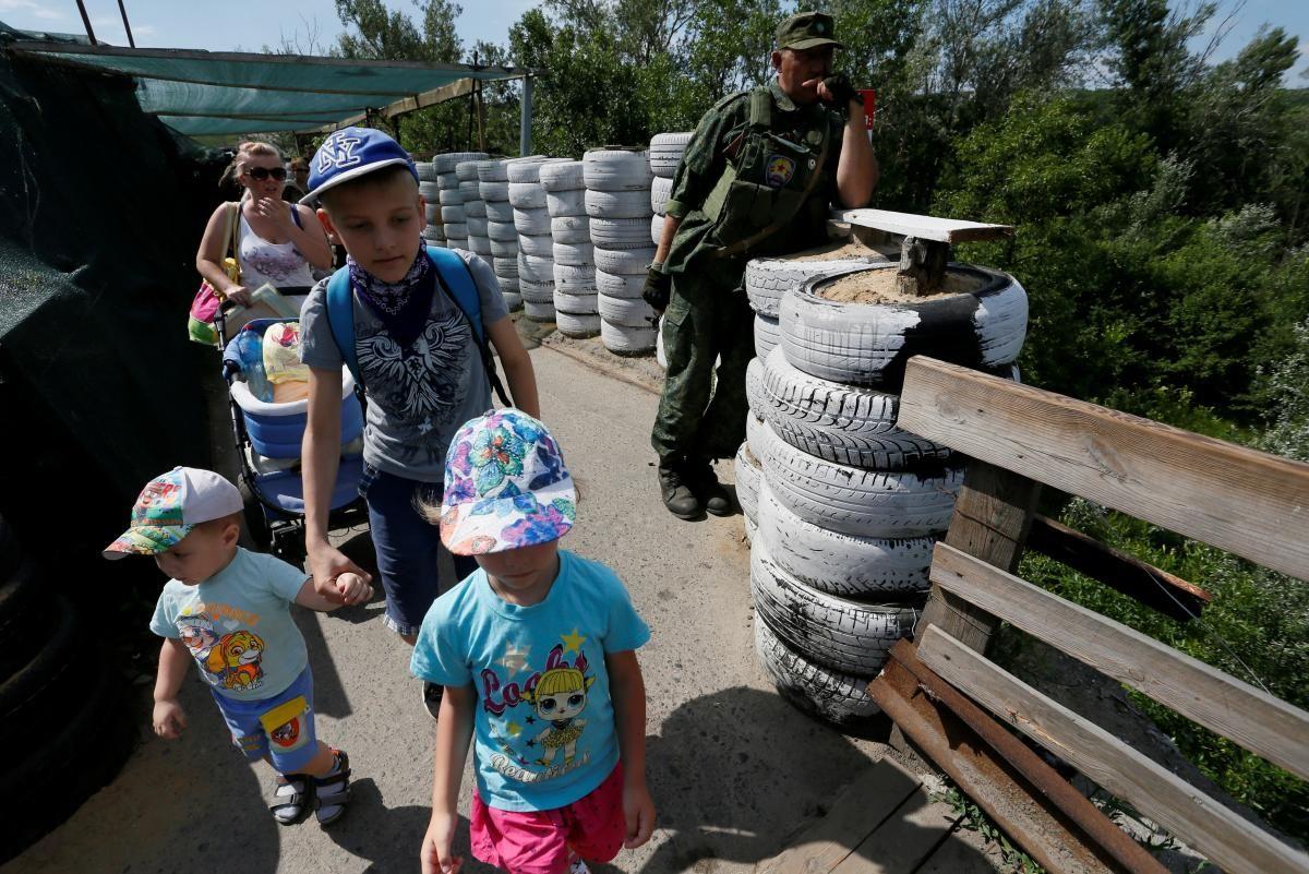 С начала войны общее количество погибших гражданских лиц на востоке Украины достигло 3 тысяч 367 человек / фото REUTERS