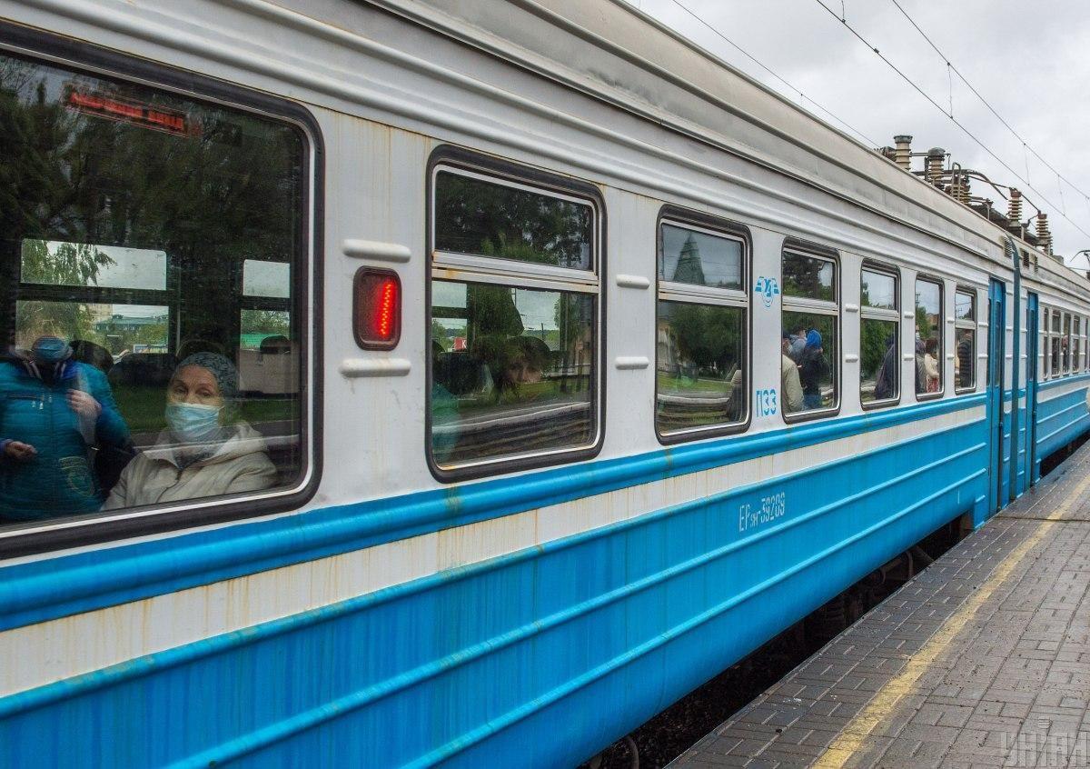 Пасажир нібито відчинив двері у тамбурі / фото УНІАН