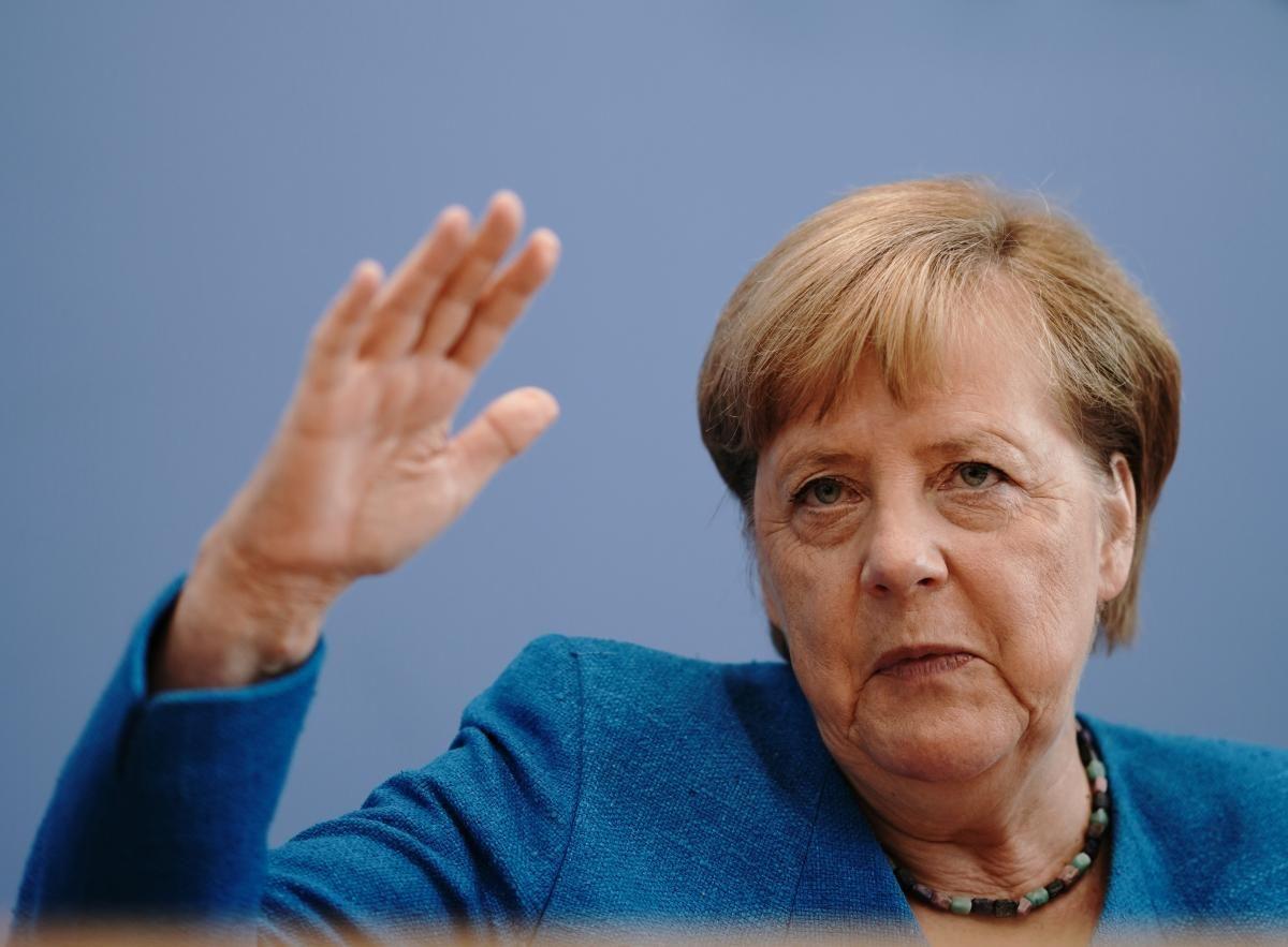 Merkel, Biden call on Russia to withdraw troops from Ukraine's border / REUTERS
