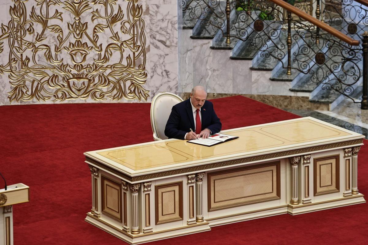 ЕС не признает победу Лукашенко / REUTERS