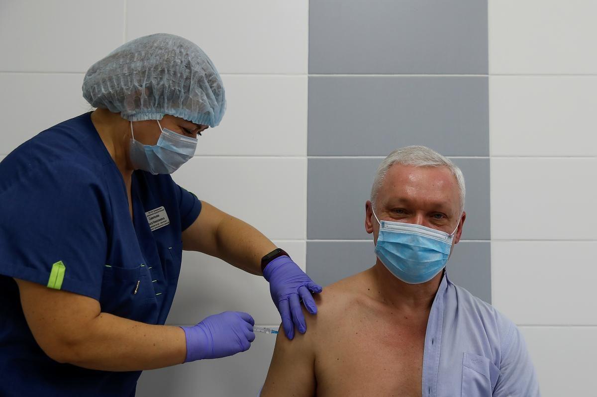 Завтра в Украине стартует вакцинация от коронавируса / фото REUTERS