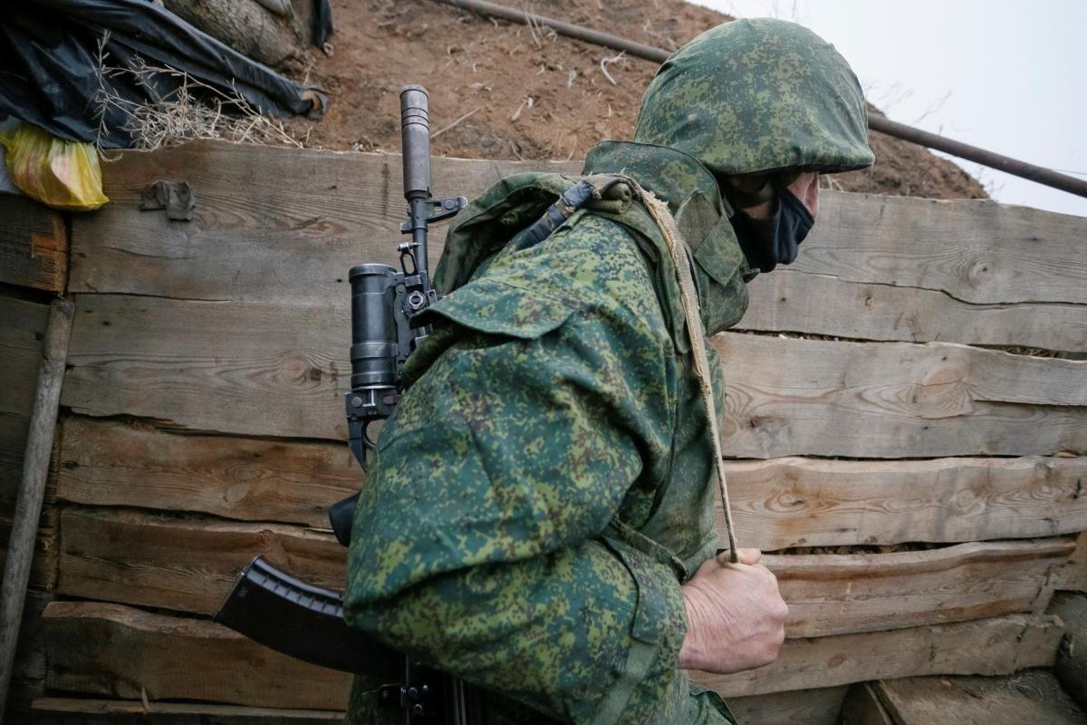 Боевики не прекращают обстрелы и на праздники / фото REUTERS