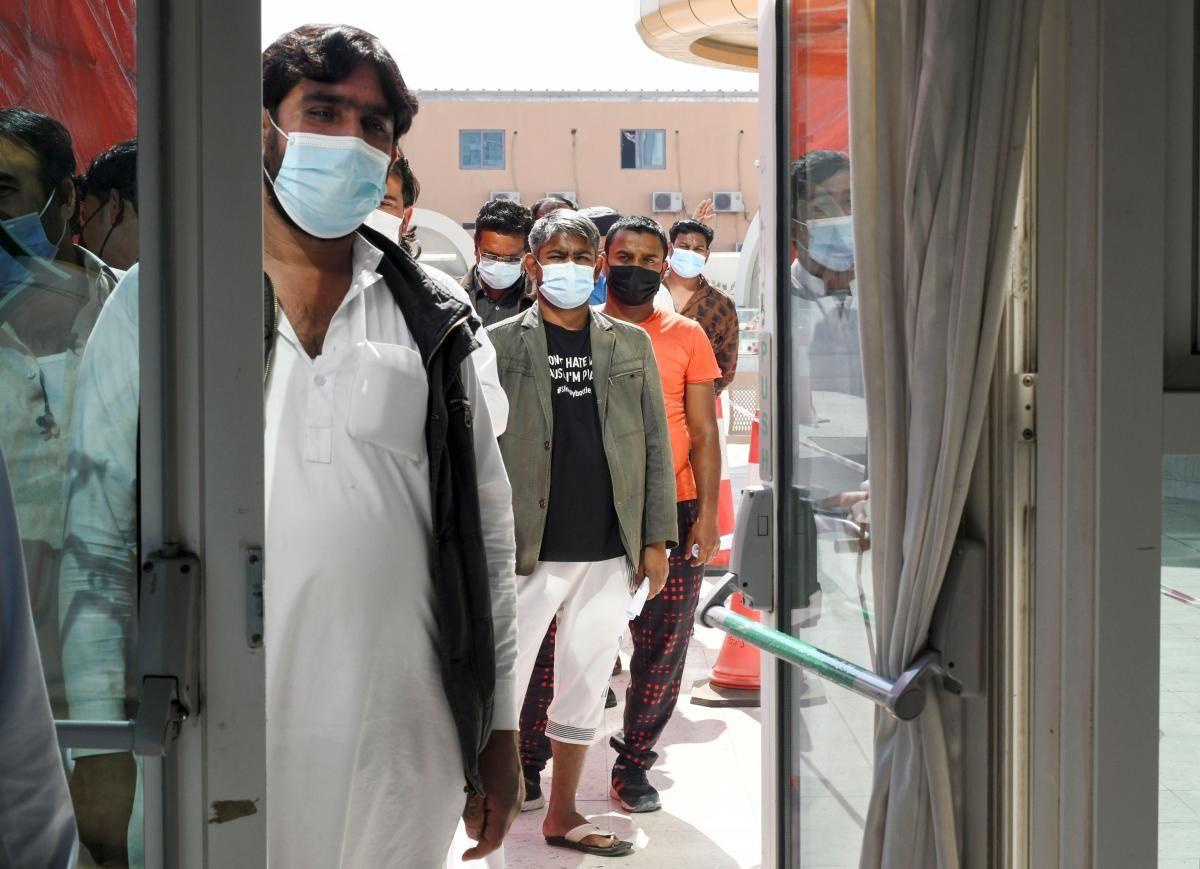 Facebook создал систему, которая может прогнозировать состояние больного коронавирусом \ фото REUTERS