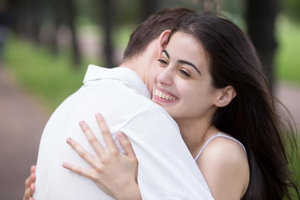 Психолог советует чаще обниматься / ua.depositphotos.com