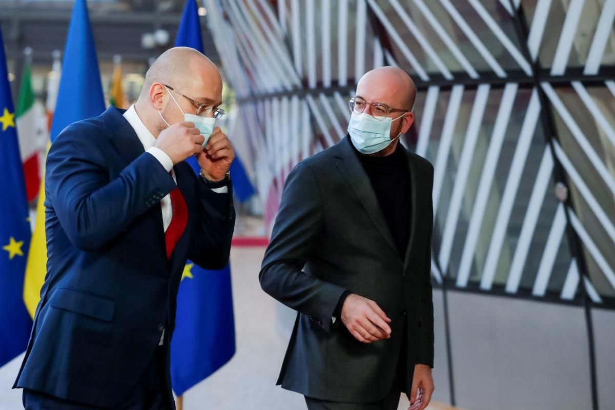 Shmyhal (left) and Michel (right) in Brussels / REUTERS
