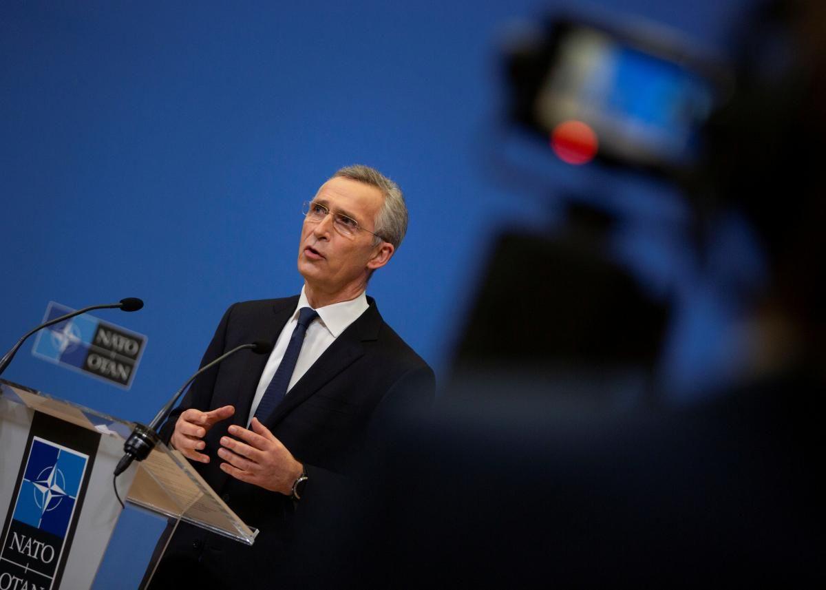 Столтенберг напомнил, что тренировочная миссия НАТО находится в Ираке по просьбе правительства этой страны / фото REUTERS