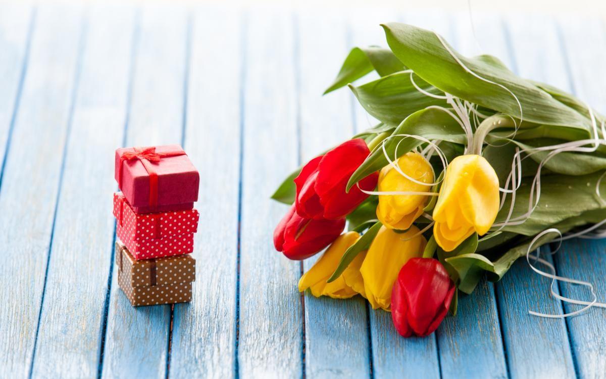 Что подарить маме на 8 марта - идеи подарков / фото ua.depositphotos.com