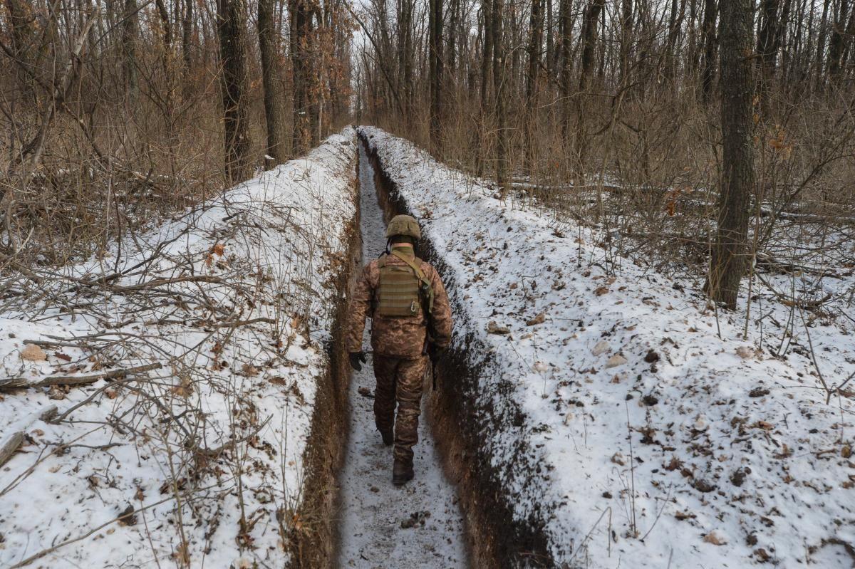 Россия перебросила около 4 тысяч военных на границу с Украиной / Фото: REUTERS