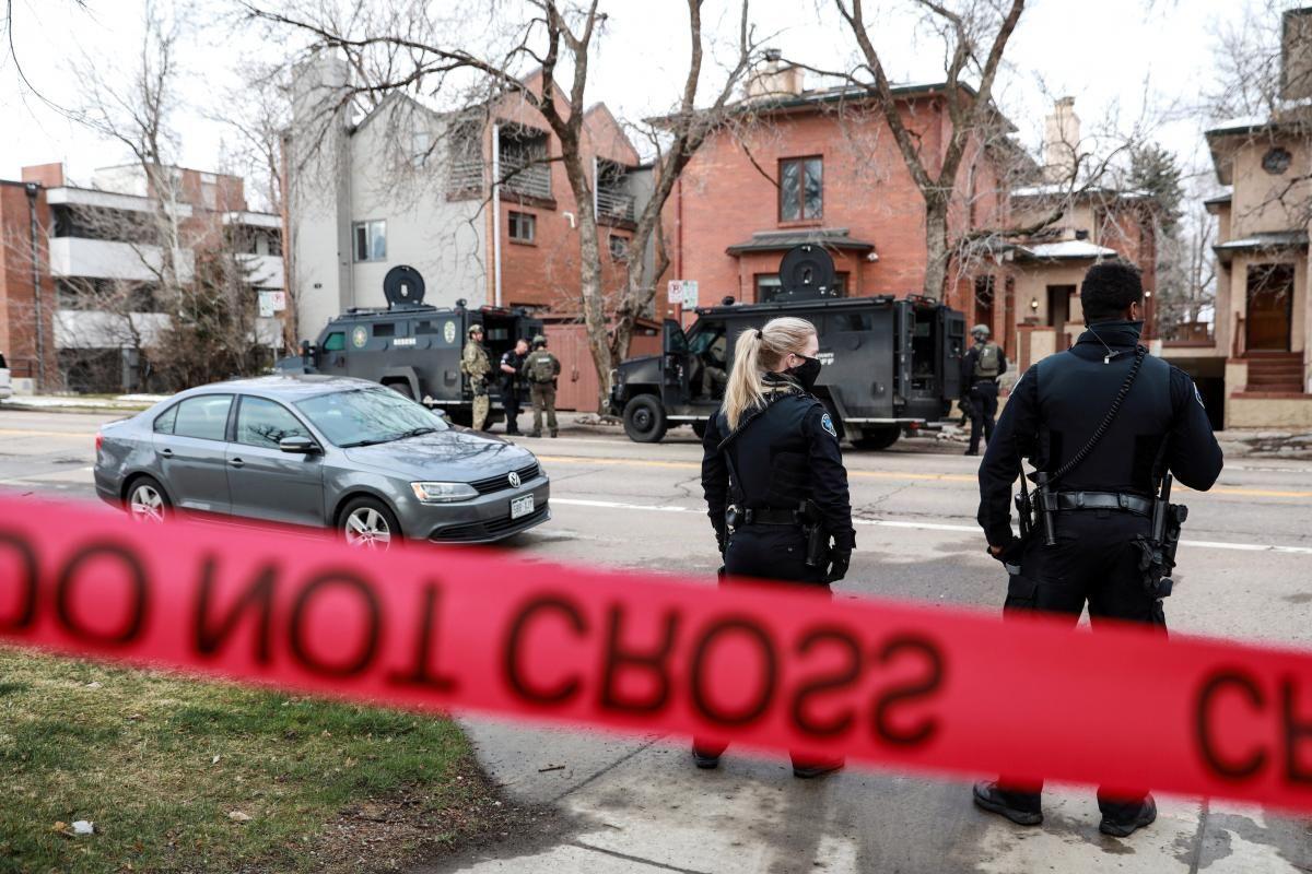 В Колорадо неизвестный открыл стрельбу / фото REUTERS