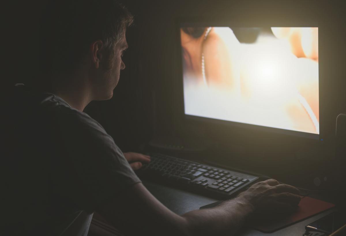 "Девушки тратили огромное количество времени  на контент и часто ""пролетали"" / фото: ua.depositphotos.com"