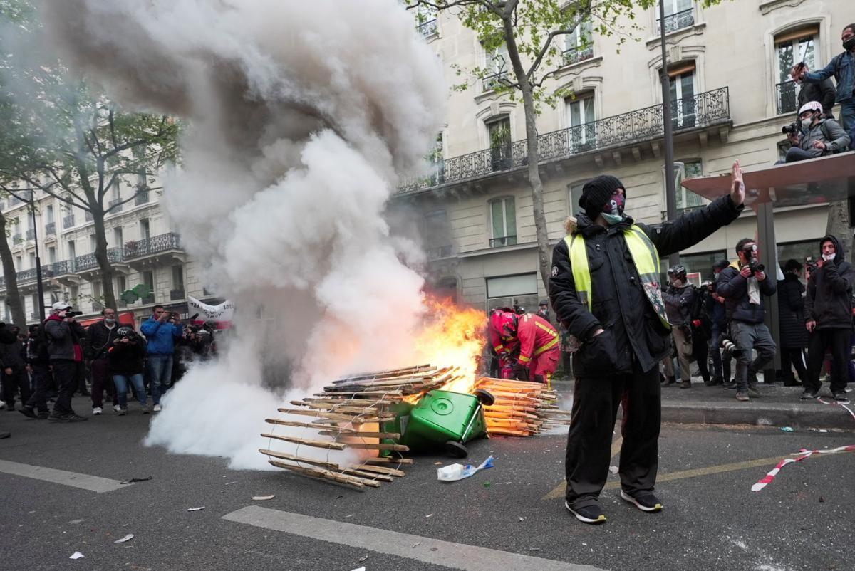 Первомайский протест в Париже / фото REUTERS
