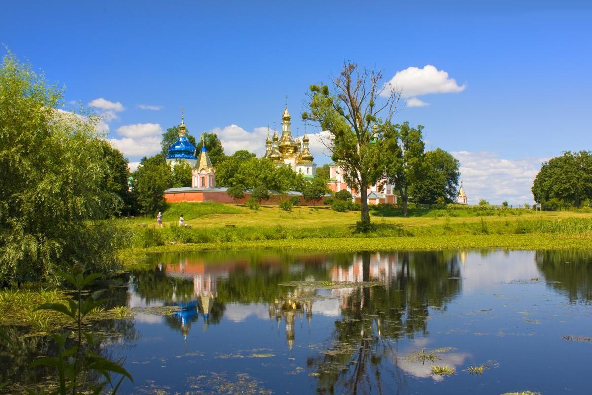 17 червня церква вшановує пам'ять святителя Митрофана Константинопольського / фото ua.depositphotos.com