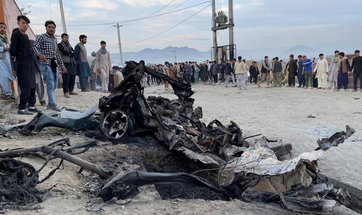 Из-за взрывов пострадали ученицы школы в Кабуле / фото REUTERS