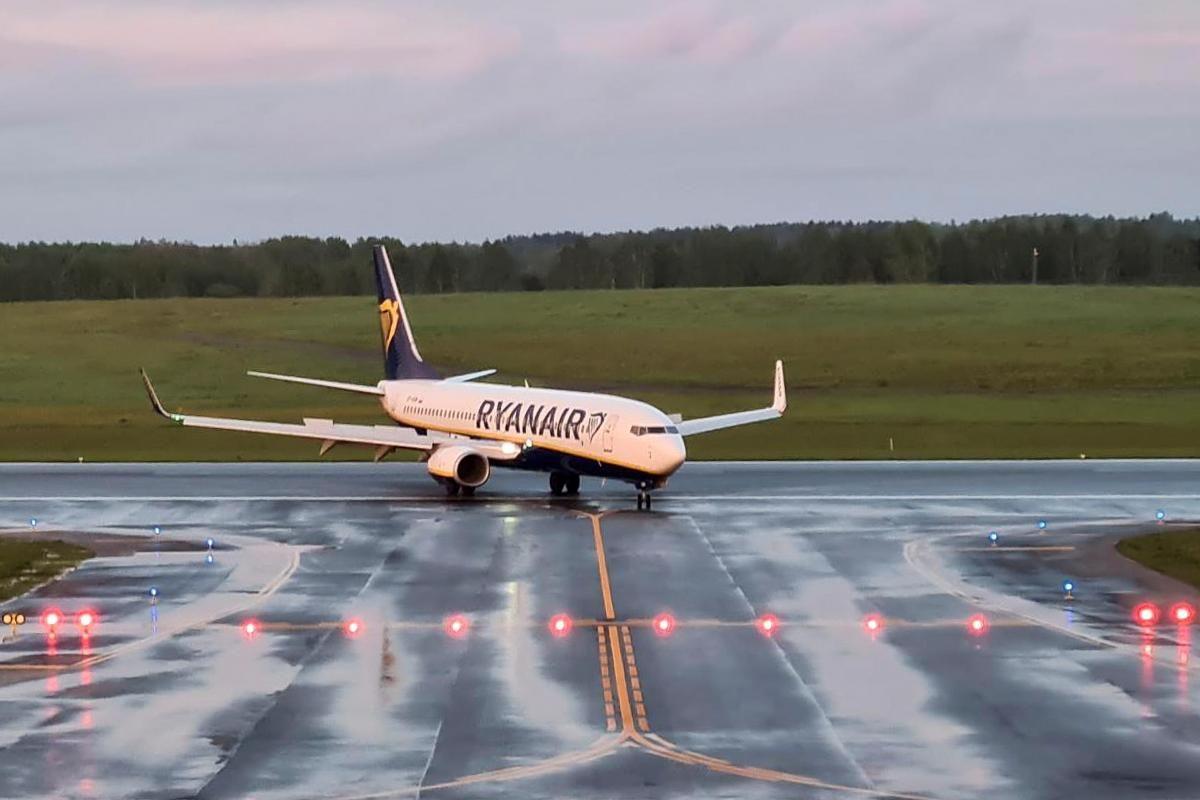 Примусова посадка літака в Мінську/ фото REUTERS.