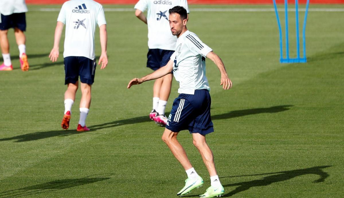 Серхио Бускетс на тренировке сборной Испании / фото REUTERS