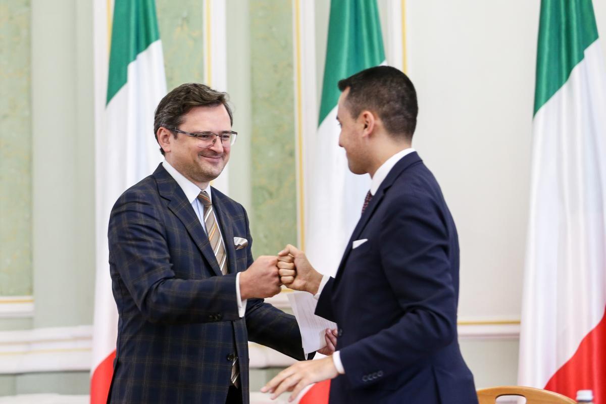 Глава МИД Украины Дмитрий Кулеба и глава МИД Италии Луиджи Ди Майо