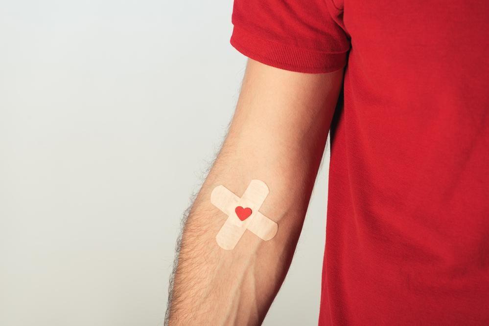 Не лише в Україні, але й в усьому світі бракує донорської крові / фото ua.depositphotos.com