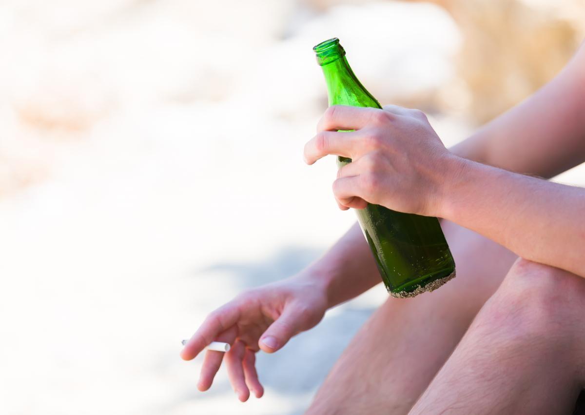 Ученые выяснили, можно ли пить спиртное при ОРВИ и COVID-19 /фото ua.depositphotos.com