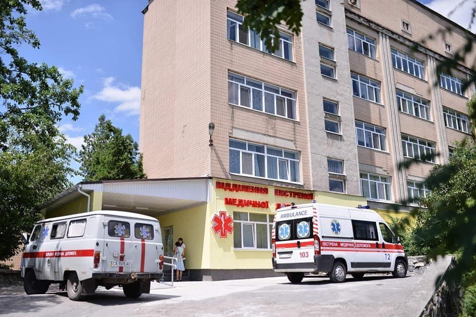 Больницы столкнулись с нехваткой персонала / фото facebook.com/AleksandrSkichko
