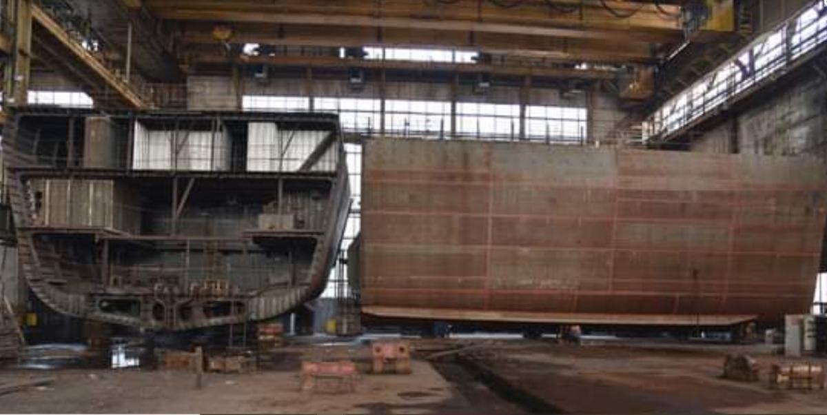 """Недобудований корвет """"Володимир Великий"""" заблокований на збанкрутілому Чорноморському суднобудівному заводі. Але в Міністерстві оборони не бачать в цьому проблеми"""