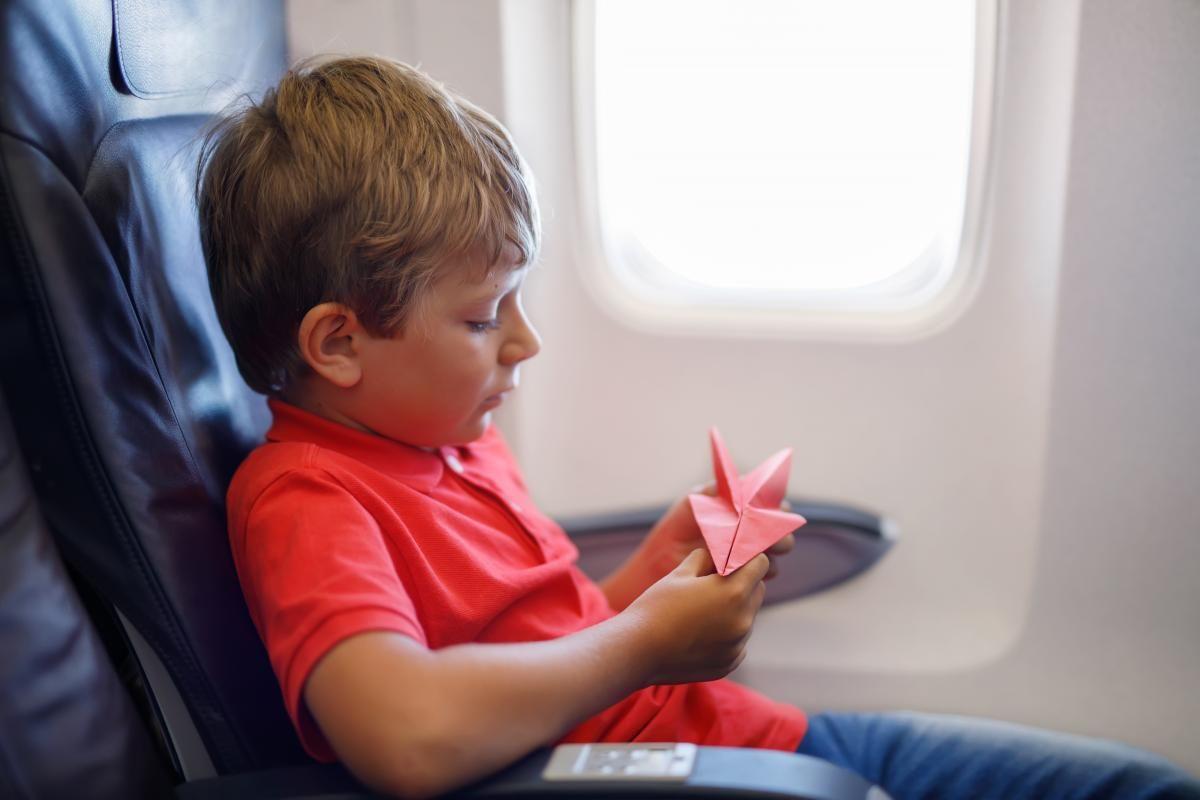 Хлопчика разом з мамою висадили з літака / фото ua.depositphotos.com
