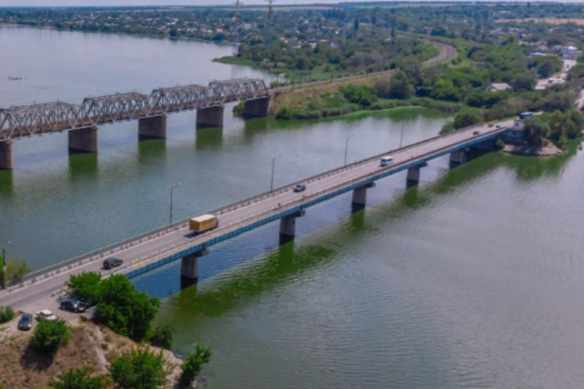 В Днепре девочка прыгнула с моста и смогла выжить, узнали журналисты / фото dp.informator.ua