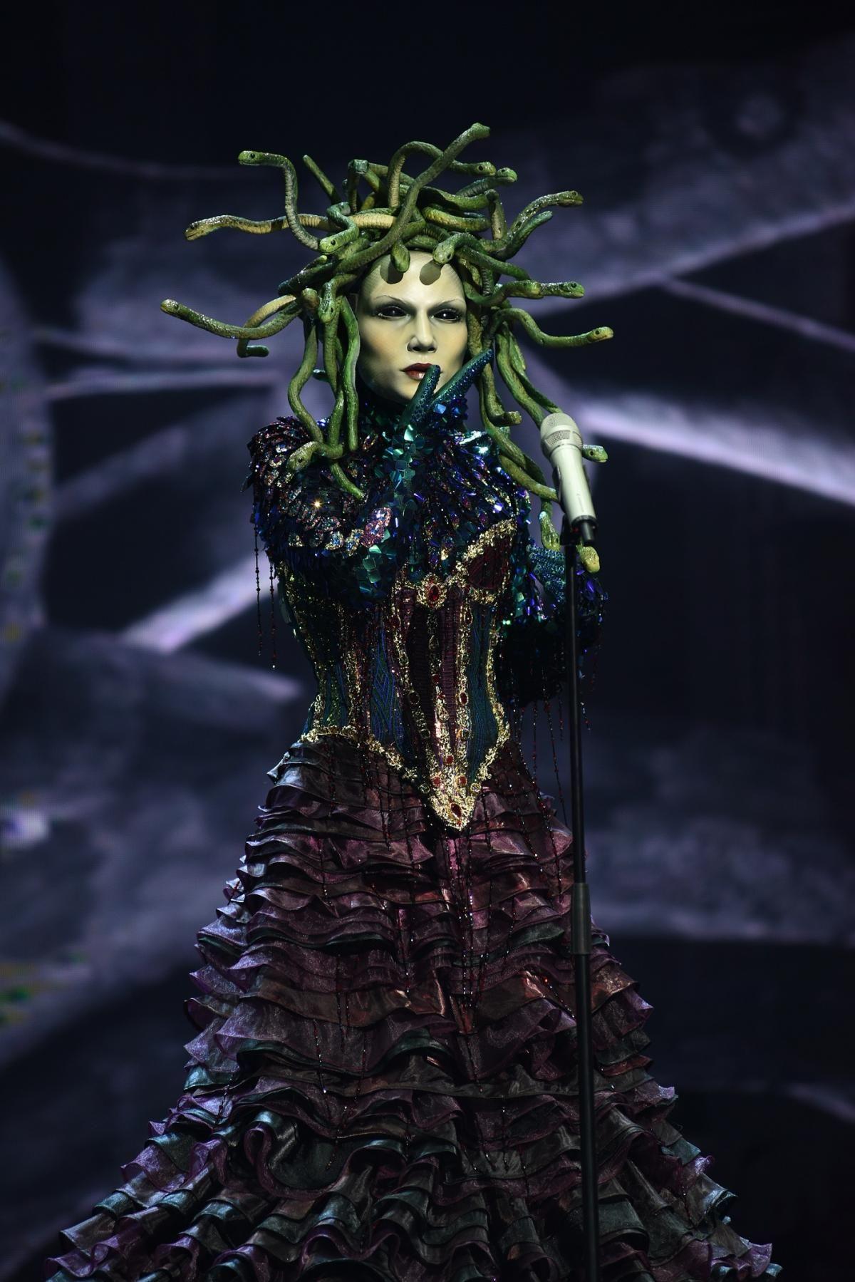 Сцену запалить міфічна діва, неймовірна Медуза Горгона / фото 1+1